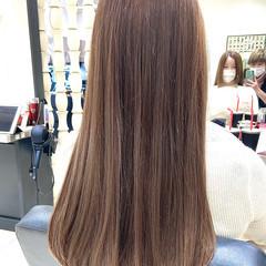 ホワイトグレージュ ホワイトカラー ロング ミルクティーアッシュ ヘアスタイルや髪型の写真・画像
