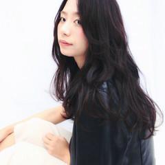 黒髪 ロング 暗髪 ウェットヘア ヘアスタイルや髪型の写真・画像