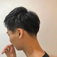 アップバング ショート ツーブロック 刈り上げ ヘアスタイルや髪型の写真・画像