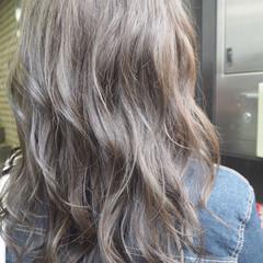 アッシュ 外国人風カラー セミロング ナチュラル ヘアスタイルや髪型の写真・画像
