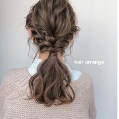 ヘアアレンジ セミロング ベージュ アンニュイほつれヘア ヘアスタイルや髪型の写真・画像