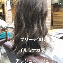 デート セミロング デジタルパーマ イルミナカラー ヘアスタイルや髪型の写真・画像