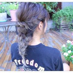 セミロング ねじり ヘアアレンジ 編み込み ヘアスタイルや髪型の写真・画像