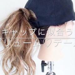 セミロング ポニーテール アウトドア ヘアアレンジ ヘアスタイルや髪型の写真・画像