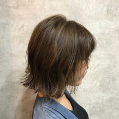 ボブ 外国人風カラー 外ハネ グレージュ ヘアスタイルや髪型の写真・画像