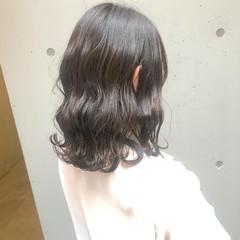 ミルクティーグレージュ ナチュラル ミディアム グレージュ ヘアスタイルや髪型の写真・画像