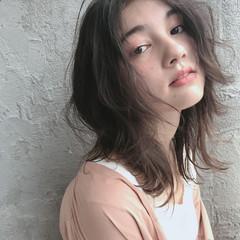 グレージュ ナチュラル 前髪あり 簡単ヘアアレンジ ヘアスタイルや髪型の写真・画像