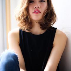 アッシュ 大人かわいい ハイライト ミディアム ヘアスタイルや髪型の写真・画像