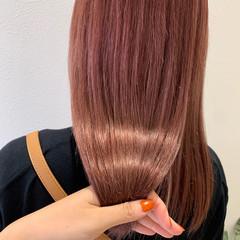 ナチュラル ミディアム ピンクブラウン ピンクベージュ ヘアスタイルや髪型の写真・画像