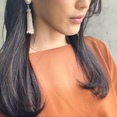 ナチュラル 濡れ髪スタイル バイオレットアッシュ 大人かわいい ヘアスタイルや髪型の写真・画像