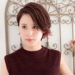 ショート レッド ピンク インナーカラー ヘアスタイルや髪型の写真・画像