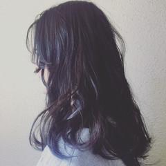 グレージュ ロング 暗髪 ゆるふわ ヘアスタイルや髪型の写真・画像