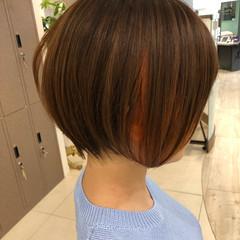 インナーカラー ハンサムショート ショート ナチュラル ヘアスタイルや髪型の写真・画像