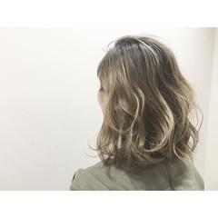 アッシュ ボブ ハイライト 外国人風 ヘアスタイルや髪型の写真・画像