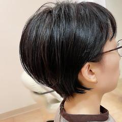 ナチュラル ショートボブ 耳掛けショート 耳かけ ヘアスタイルや髪型の写真・画像