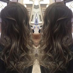 セミロング 外国人風 ハイライト 暗髪 ヘアスタイルや髪型の写真・画像