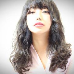 セミロング フェミニン 女子会 リラックス ヘアスタイルや髪型の写真・画像