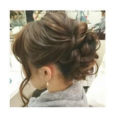 ヘアアレンジ シニヨン 大人かわいい ミディアム ヘアスタイルや髪型の写真・画像