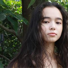 ロング くせ毛風 パーマ 外国人風 ヘアスタイルや髪型の写真・画像