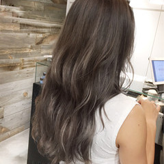 ハイライト アンニュイ ロング ウェーブ ヘアスタイルや髪型の写真・画像
