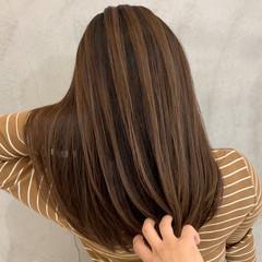 透明感カラー ナチュラル エアータッチ バレイヤージュ ヘアスタイルや髪型の写真・画像
