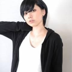 ショート ナチュラル モード 暗髪 ヘアスタイルや髪型の写真・画像