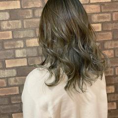 アッシュグレージュ グラデーションカラー ブリーチ ブリーチ必須 ヘアスタイルや髪型の写真・画像
