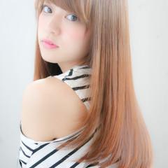 セミロング 縮毛矯正 パーマ アッシュ ヘアスタイルや髪型の写真・画像