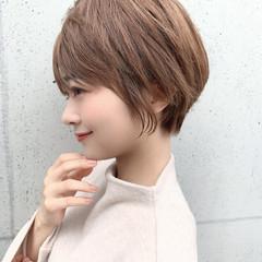 小顔ヘア 横顔美人 ショート ナチュラル ヘアスタイルや髪型の写真・画像