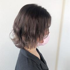 アッシュグレージュ バレイヤージュ フェミニン ハイライト ヘアスタイルや髪型の写真・画像