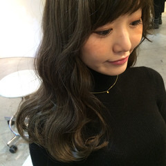暗髪 外国人風 ロング ストリート ヘアスタイルや髪型の写真・画像