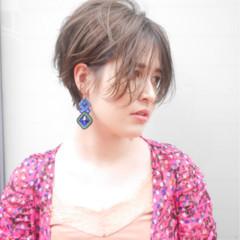 ショートボブ 色気 オフィス フェミニン ヘアスタイルや髪型の写真・画像