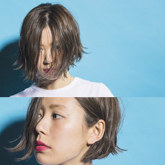 外国人風 ナチュラル 夏 アッシュ ヘアスタイルや髪型の写真・画像