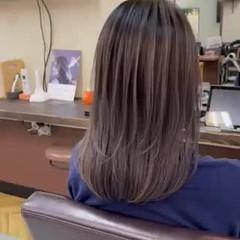 セミロング 外国人風 ハイライト バレイヤージュ ヘアスタイルや髪型の写真・画像