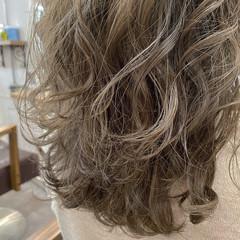 ブリーチカラー ナチュラル ハイトーン 透明感カラー ヘアスタイルや髪型の写真・画像