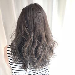 セミロング アッシュ 外国人風カラー アッシュグレージュ ヘアスタイルや髪型の写真・画像