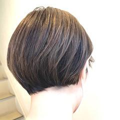 ショートヘア アッシュベージュ ミニボブ ショート ヘアスタイルや髪型の写真・画像