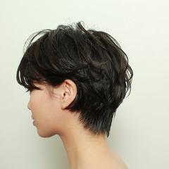 ナチュラル パーマ デート アウトドア ヘアスタイルや髪型の写真・画像