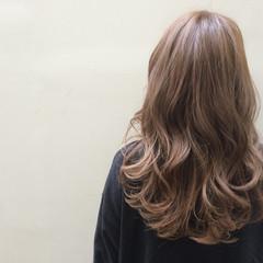 ロング ゆるふわ ストリート ベージュ ヘアスタイルや髪型の写真・画像