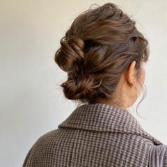 ミディアム ふわふわヘアアレンジ 簡単ヘアアレンジ ヘアアレンジ ヘアスタイルや髪型の写真・画像