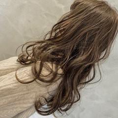 アンニュイほつれヘア 大人カジュアル ロング ゆるふわ ヘアスタイルや髪型の写真・画像