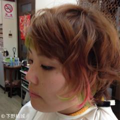 インナーカラー ハイトーン ショート かわいい ヘアスタイルや髪型の写真・画像