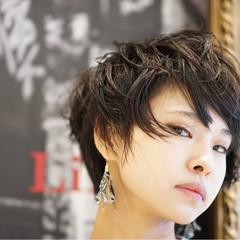 大人女子 モード 前髪あり 黒髪 ヘアスタイルや髪型の写真・画像