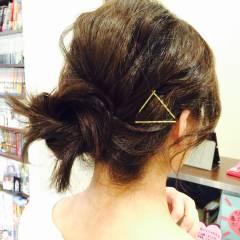 ヘアアクセ 大人かわいい ヘアピン ミディアム ヘアスタイルや髪型の写真・画像