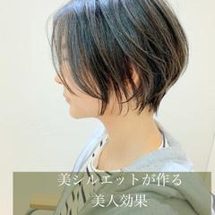 ショートボブ ミニボブ フェミニン ショート ヘアスタイルや髪型の写真・画像
