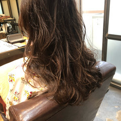 ロング 無造作パーマ デジタルパーマ ナチュラル ヘアスタイルや髪型の写真・画像