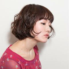 パーマ 前髪あり 色気 ニュアンス ヘアスタイルや髪型の写真・画像