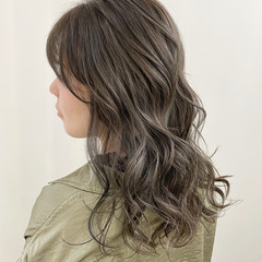 アッシュベージュ 大人ハイライト ハイライト 極細ハイライト ヘアスタイルや髪型の写真・画像