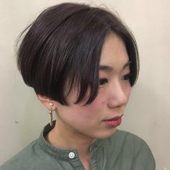 ショート アッシュベージュ かっこいい ナチュラル ヘアスタイルや髪型の写真・画像