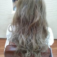 ゆるふわ 黒髪 ナチュラル グラデーションカラー ヘアスタイルや髪型の写真・画像